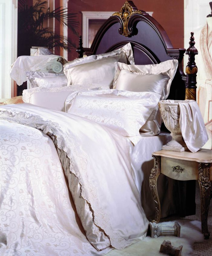 parure de lit satin de soie images. Black Bedroom Furniture Sets. Home Design Ideas